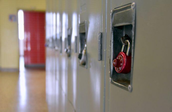 """Éducation: Faible taux de diplomation au secondaire """"faible revenu et pandémie"""" une double crise selon Sandro Di Cori"""
