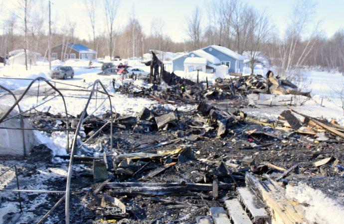 Un incendie majeur a complètement détruit deux résidences au camping naturiste Adam et Ève