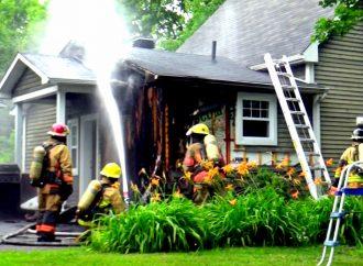 Les pompiers interviennent sur le boulevard Patrick à Drummondville pour un incendie de résidence