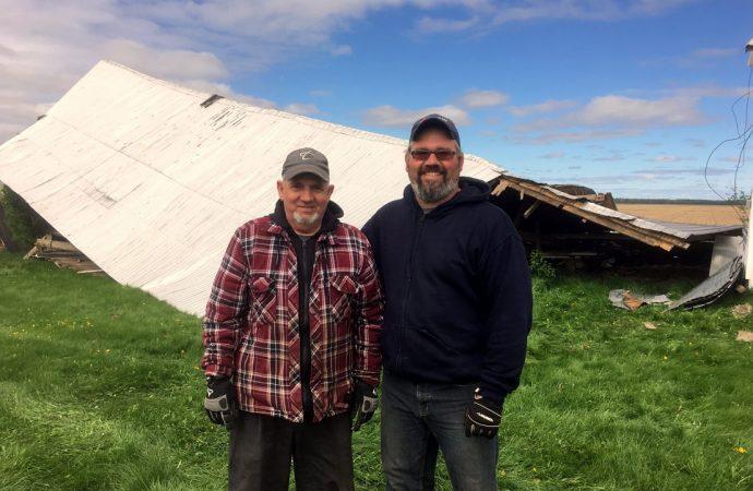 Les vents violents ont raison d'un bâtiment de ferme à Saint-Bonaventure