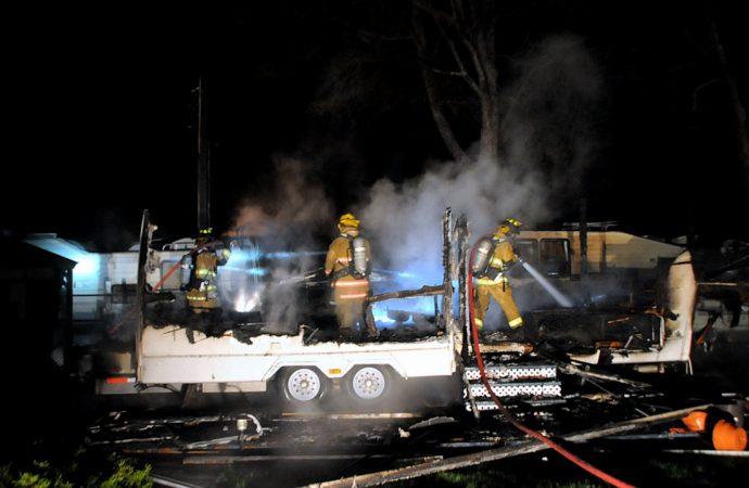 Une roulotte réduite en cendres au Camping La Détente