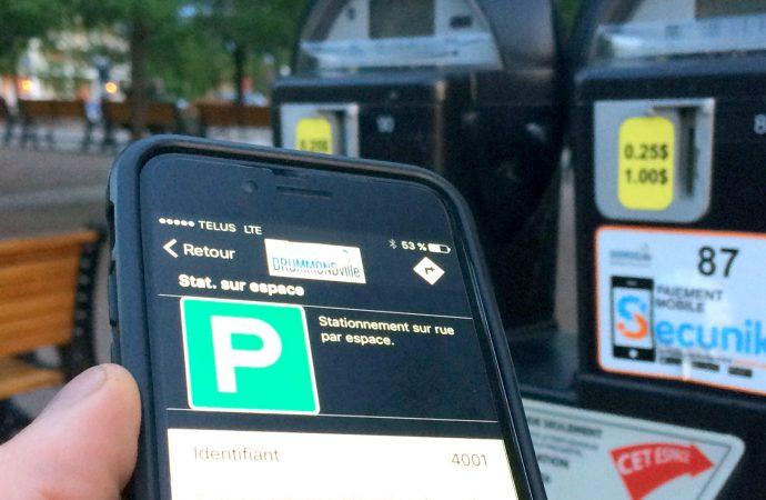 Il est possible de payer le stationnement avec son téléphone à Drummondville
