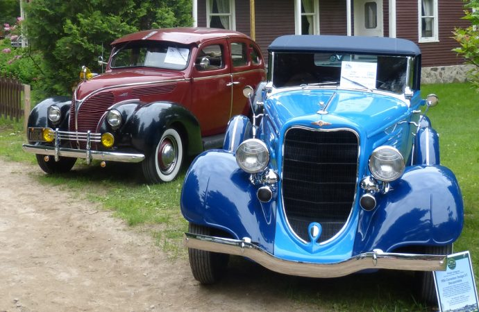 Une centaine de voitures d'époque attendues au Village québécois