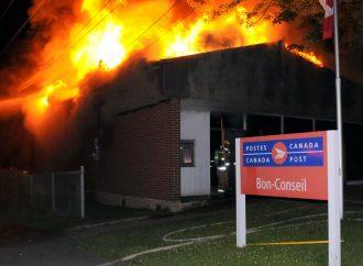 Le bureau de poste de NDBC réduit en cendres