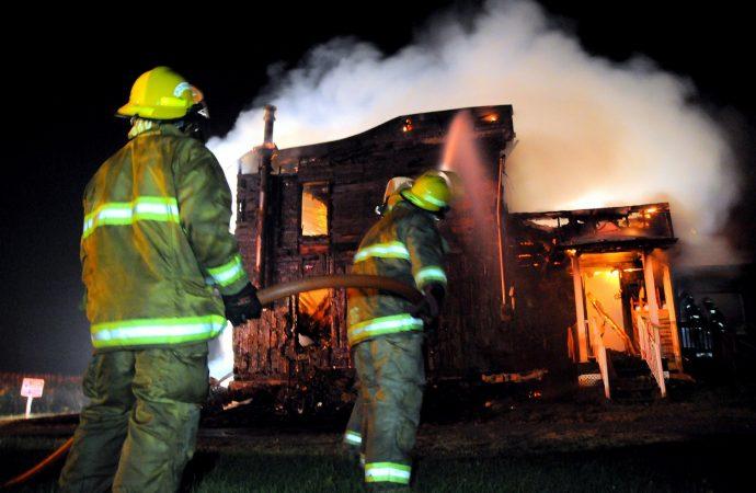 Maison à vendre incendiée à Saint-Guillaume