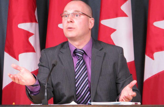 Le NPD demande aux libéraux de sauver le projet de l'université francophone en Ontario