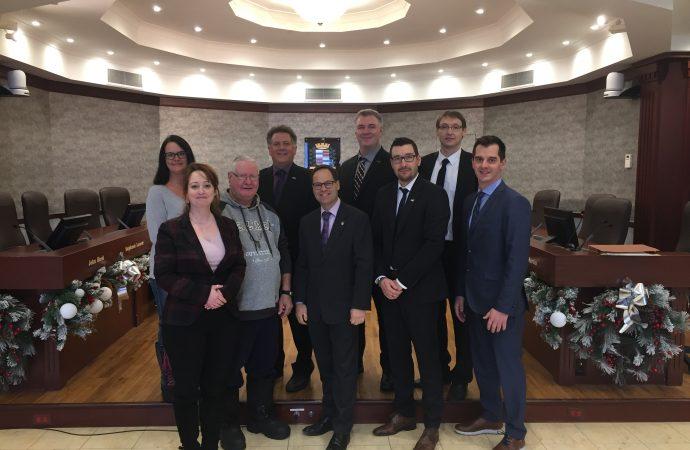 Première convention collective – La Ville de Drummondville signe une entente avec les brigadiers scolaires