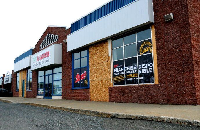 Avec plus de 88 ans d'histoire, Dunn's Famous s'installe à Drummondville