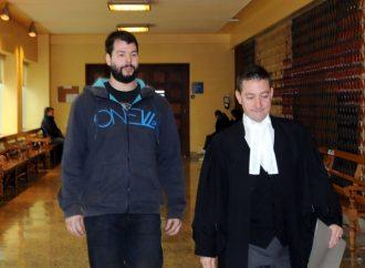 26 chefs d'accusations pour un internaute de 23 ans de Saint-Léonard-D'Aston