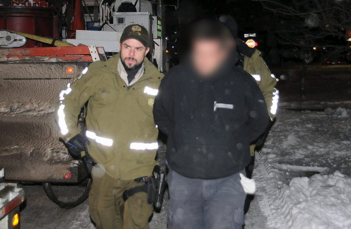 (VIDÉO)  Info citoyenne  – Le Vingt55 assiste à une arrestation en direct