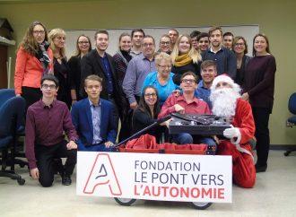 Le Drummondvillois Francis Boulet reçoit son bras robotisé pour Noël