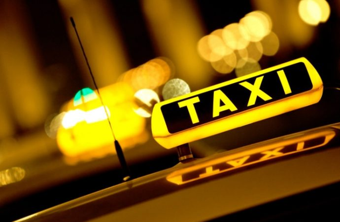 Québec injecte 44 M$ pour moderniser et améliorer l'industrie du taxi