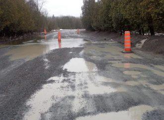 Les pires routes au Québec – Les municipalités en appellent au gouvernement