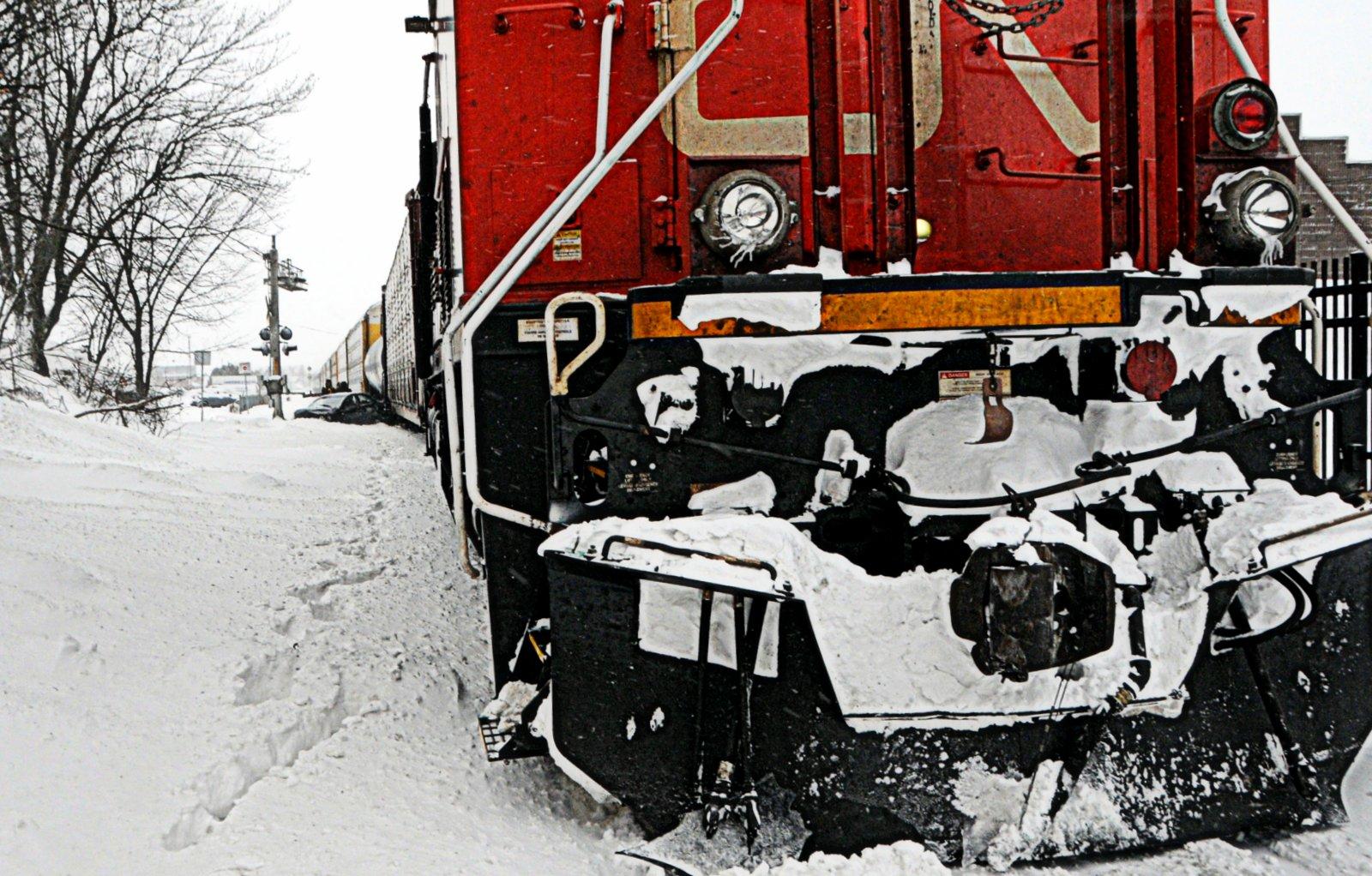 train versus automobile le centre ville de drummondville paralys par un accident vingt55. Black Bedroom Furniture Sets. Home Design Ideas