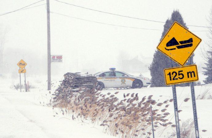 Un motoneigiste capté à plus de 100 km/h dans une zone de 30 km/h au Centre-du-Quebec