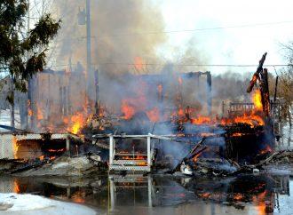 Incendie et inondations – Un double sinistre pour un résident du Chemin Longue Pointe dans le secteur Saint-Nicéphore