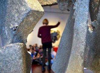 Québec annonce 10 M$ pour la formation professionnelle et l'éducation aux adultes et des sorties culturelles… à l'école!