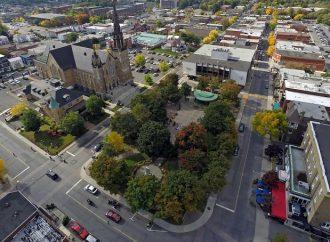 Drummondville adopte un plan d'amélioration du stationnement pour son centre-ville