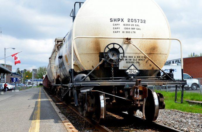 Le ministre des Transports M. François Bonnardel annonce la tenue d'un Sommet sur le transport ferroviaire à Drummondville.