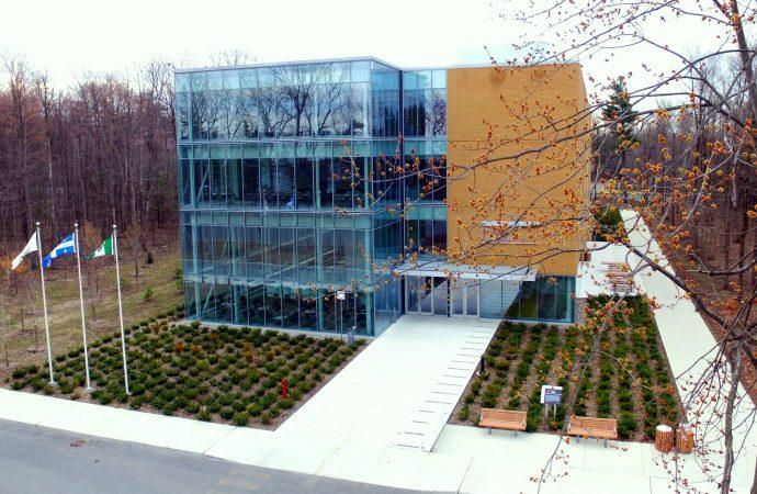 Les 440 professeurs de l'Université du Québec à Trois-Rivières (UQTR) sont mis en lock-out