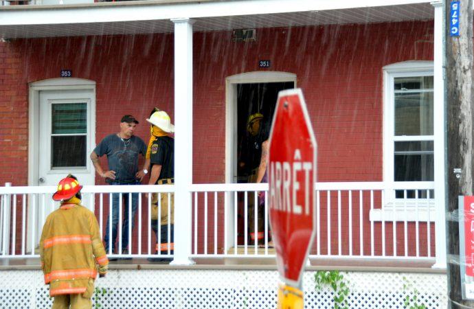 Intervention rapide et efficace des pompiers de Drummondville sur la rue Brock