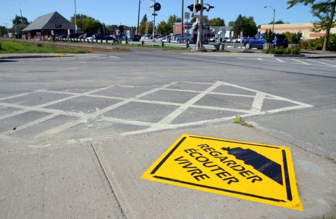 C'est la semaine de la sécurité ferroviaire, un signal avancé de danger invite à la prudence à Drummondville