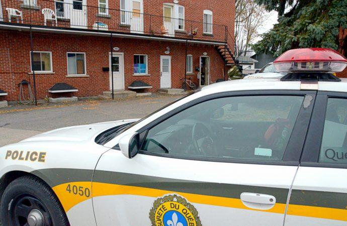 Perquisition de la Sûreté du Québec rue St-Jean à Drummondville