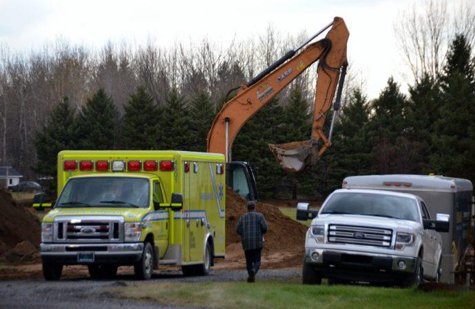 Grave accident de travail: Un jeune travailleur écrasé par une pelle mécanique sur un chantier