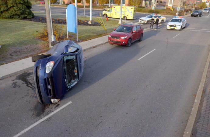 Début de journée difficile pour une jeune conductrice à Drummondville