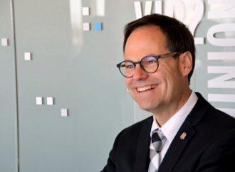 De la réflexion à l'action, Alexandre Cusson confirme sa candidature à la chefferie du Parti libéral