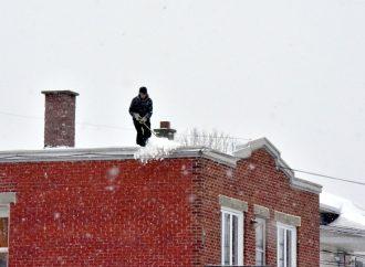 Poids de la neige et structure des bâtiments, soyez vigilants