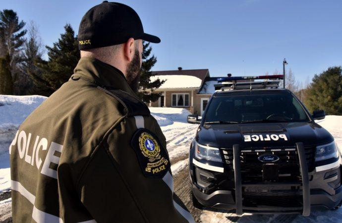 Opération antidrogue de l'équipe des enquêtes et de la coordination sur le crime organisé à Wickham.
