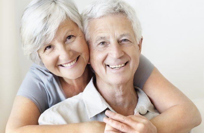 Le CCEG obtient une subvention de 202 995 $ pour un nouveau projet de recherche Sur l'attachement chez les couples aînés dans un contexte de proche aidance.