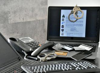 Fraudes téléphoniques et achat en ligne, masques, air climatisé, animaux, cartes prépayées la SQ appelle à la prudence