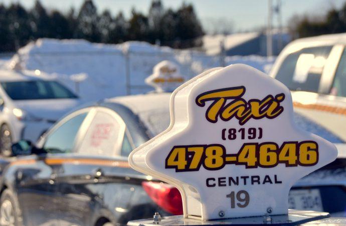 Industrie du taxi  Le gouvernement a encore beaucoup de devoirs à faire – Joël Arseneau