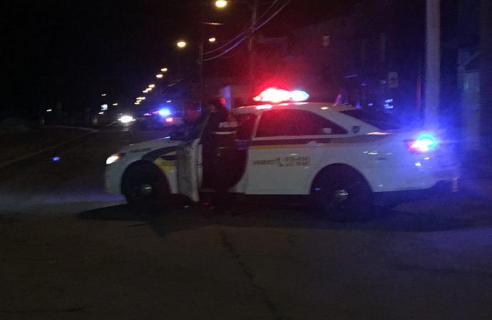 Intervention policière rue Demers – Vaste déploiement policier, secteur à éviter.