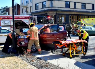 Accident au centre-ville de Drummondville, un malaise au volant possiblement en cause