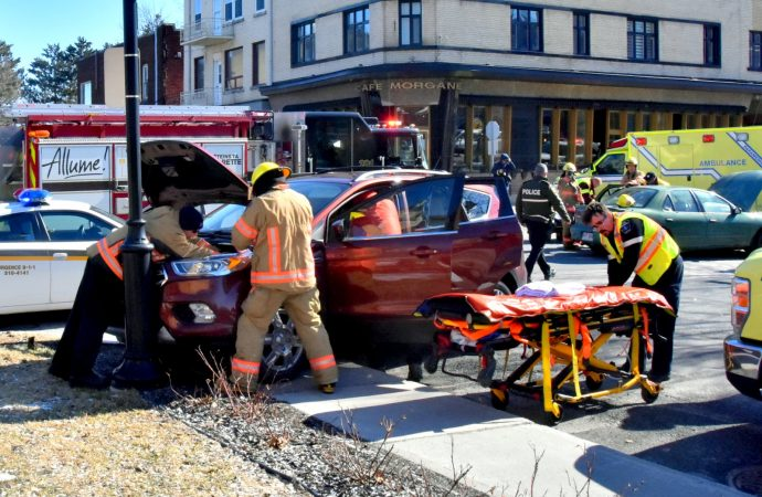 Accident au centre-ville de Drummondville, un malaise au volant possiblement en cause