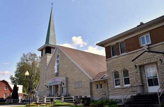 L'église et le presbytère Immaculée conception disponibles pour un changement d'usage