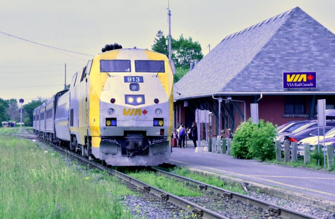 Train à grande fréquence Québec-Toronto, le gouvernement fédéral examine la proposition de Via Rail