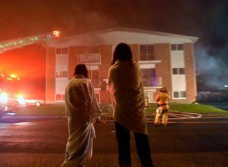 Incendie – Deux résidents piégés par les flammes évacués par les pompiers à Drummondville