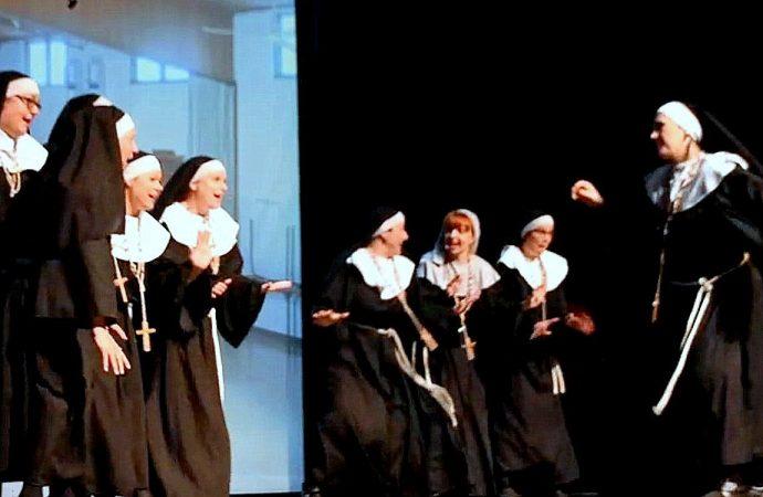 """Rock'n Nonne – Un spectacle rythmé """"des feux de l'enfer"""" gagne son pari à Drummondville"""