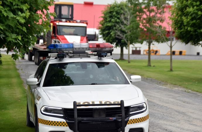 Perquisition des crimes majeurs de la Sûreté du Québec sur une ferme du 12e rang près de Drummondville