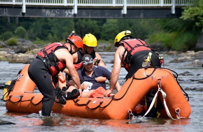 Intervention des pompiers pour un homme blessé dans la rivière Saint-François à Drummondville