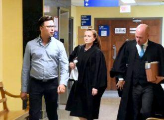 Ouverture du procès du Dr Vincent Simard pour des chefs d'accusation à caractère sexuel