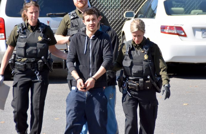 30 mois de prison pour vol qualifié, voies de fait, trafic de stupéfiants et une série de chefs d'accusation