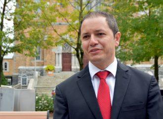 Le candidat Libéral, William Morales, répond aux allégations et du programme des Libéraux