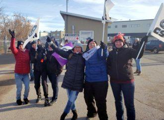 Déclenchement de la grève chez Olymel à Princeville