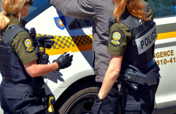 Proxénétisme: Arrestations par la Sûreté du Québec à Drummondville et Granby