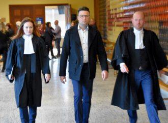 Accusation à caractère sexuel, le sort du Dr Vincent Simard est entre les mains de la justice
